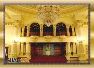 Palacio Nacional Interior salon de los espejos